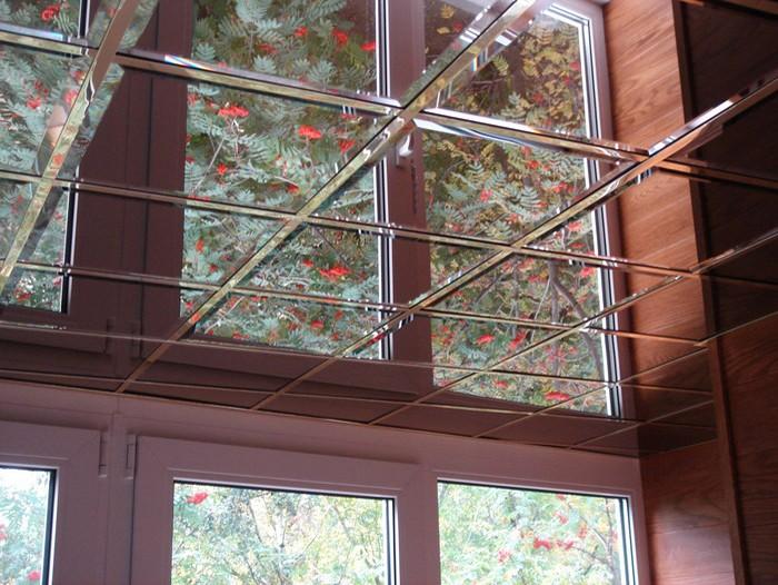 Функциональность зеркального потолка