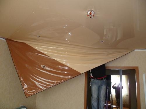 Как снять натяжной потолок
