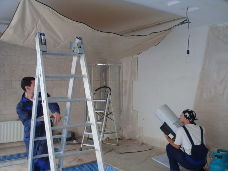 Особенности демонтажа ПВХ потолков