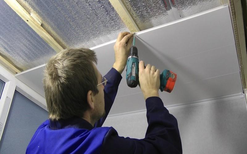 Правила монтажа МДФ панелей потолок