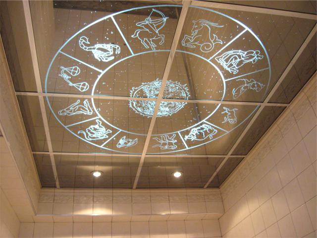 Преимущества зеркальных подвесных потолков