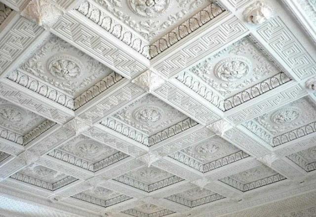 Кессонные потолки из пенопласта