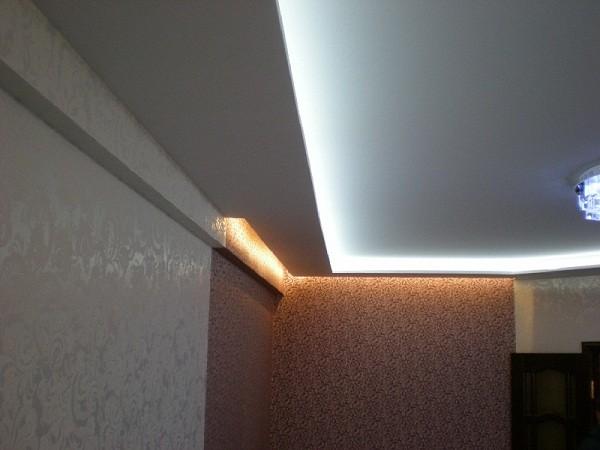 Потолки из гипсокартона со скрытой подсветкой
