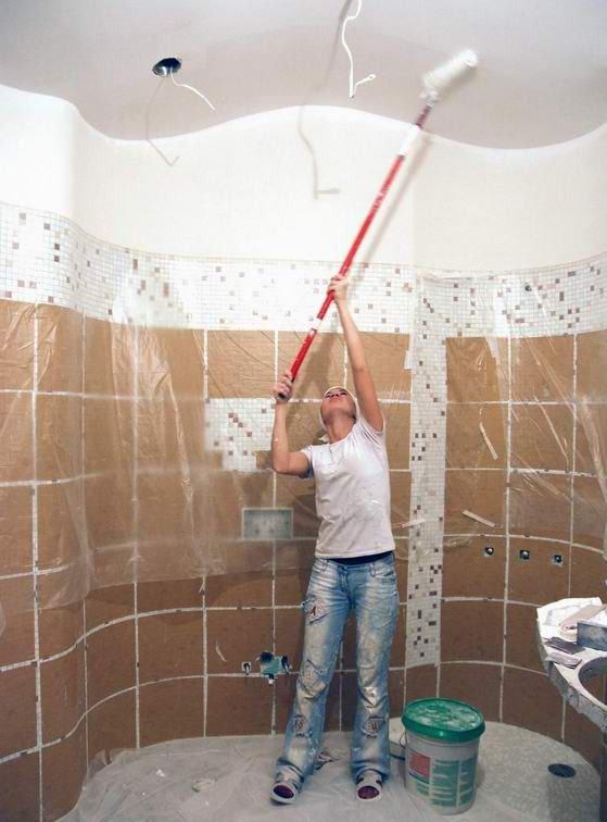 Окраска и шпатлёвка потолока в ванной