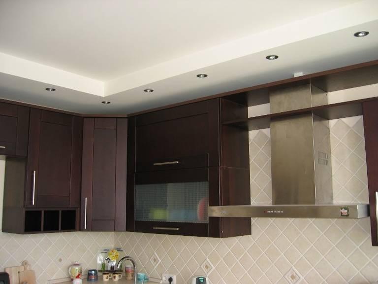 Потолок на кухне Гипсокартон