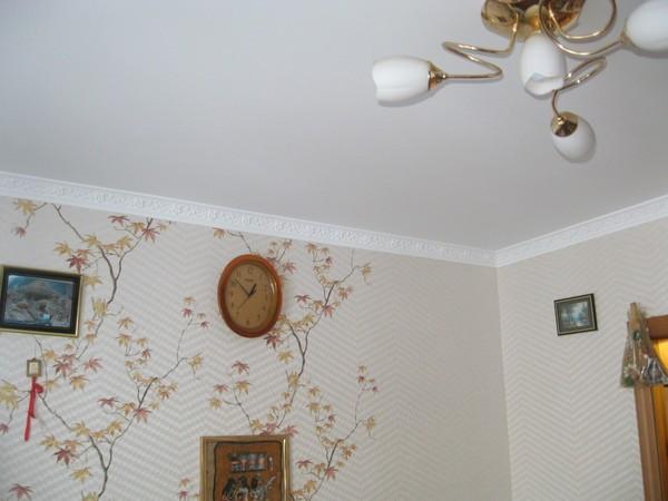 Потолок на кухне Штукатурка