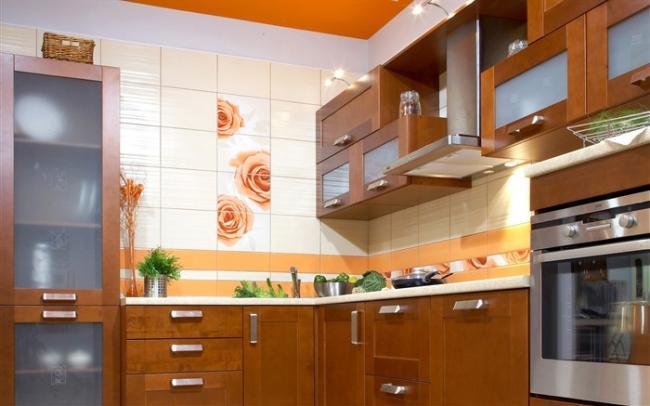 Потолок на кухне - разновидности отделки