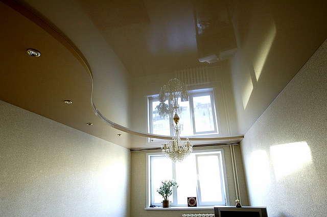 натяжной потолок устанавливается или клеятся обои