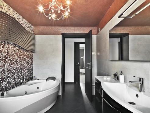 потолок в ванной дизайн
