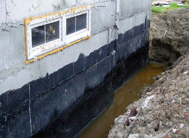 Близкое расположение грунтовых вод