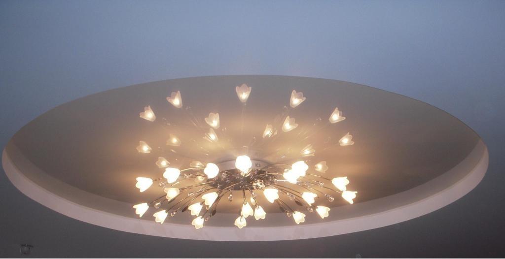 Люстры с открытыми лампами для натяжных потолков