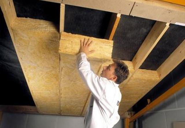 Утепление потолка рулонными материалами