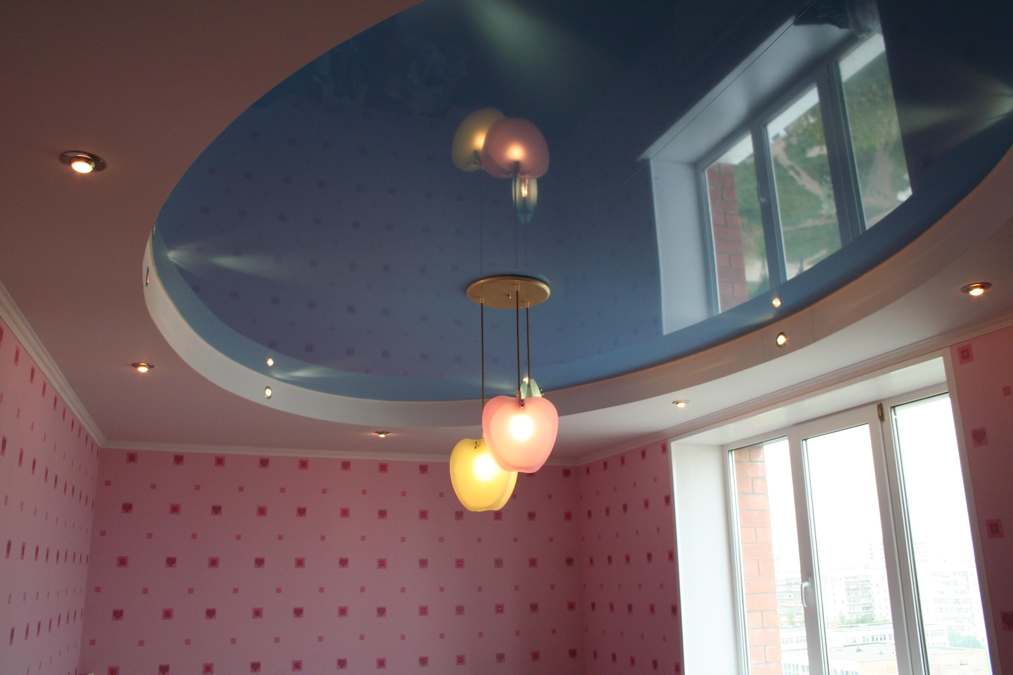люстры В помещении небольших размеров для натяжных потолков
