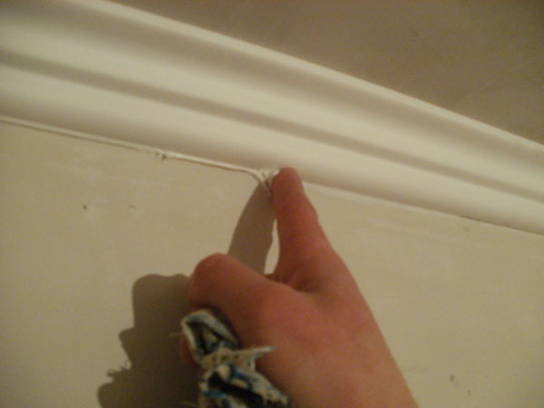 плинтуса к натяжным потолкам зашпаклевать
