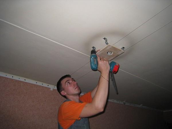 Многоуровневые натяжные потолки монтаж освещения