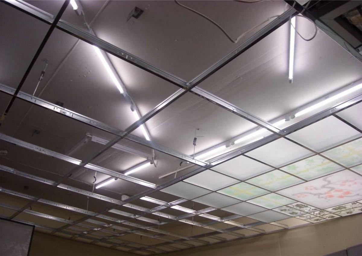 Монтаж стеклянного потолка освещение