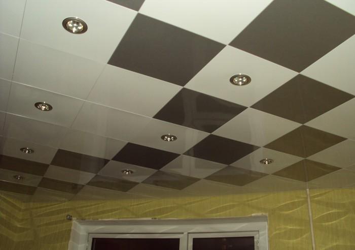 Натяжной потолок в детской Шахматная доска