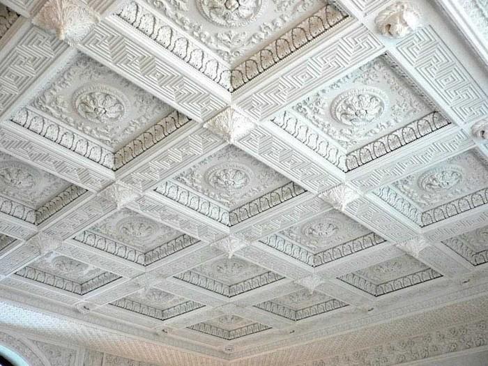 Пенопластовая потолочная лепнина