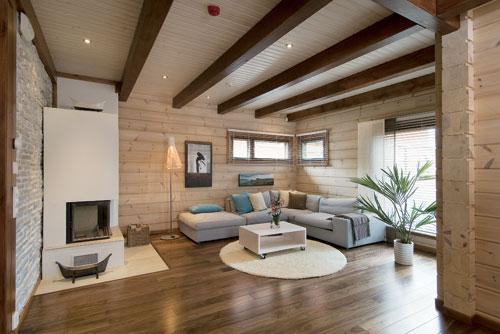 Способы отделки потолка в деревянном доме