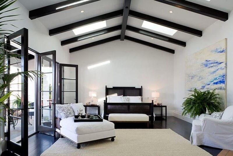 декоративные балки на потолок елочкой