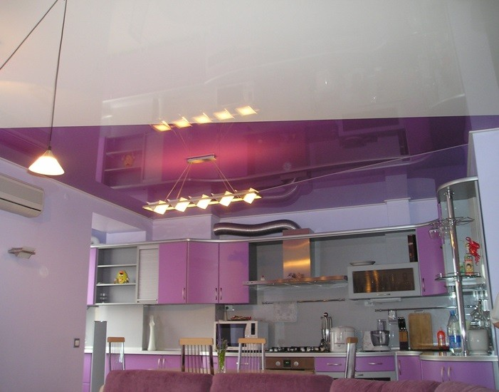 натяжной потолок на кухне совместить полотна разных оттенков
