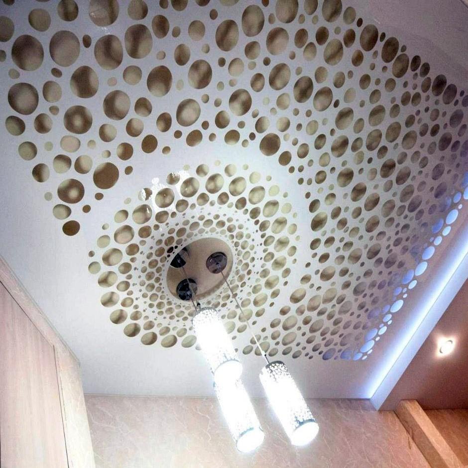 Дизайнерские возможности резного потолка