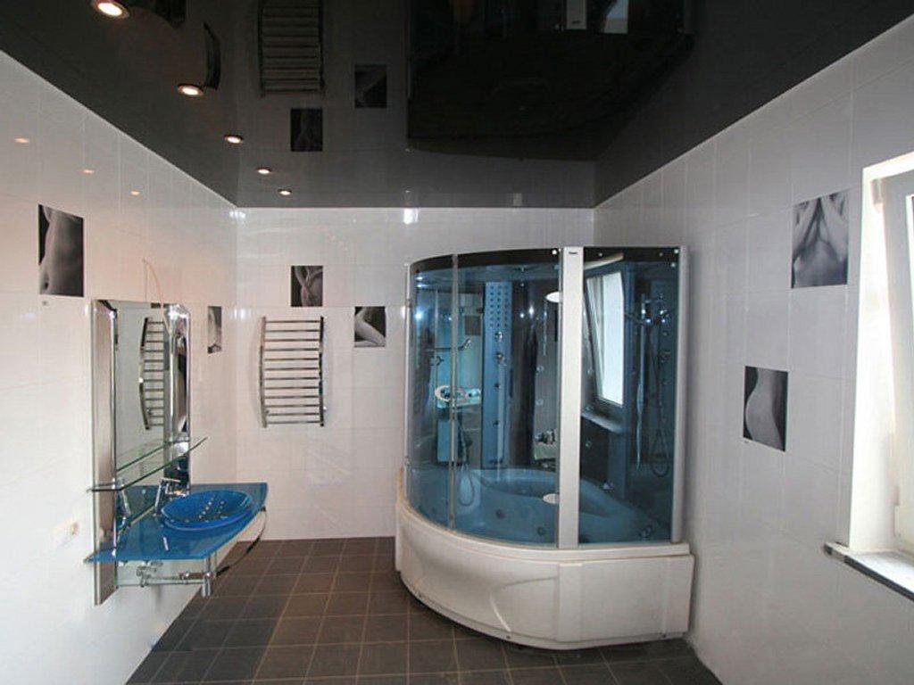 Интересный дизайн натяжных потолков Ванная комната