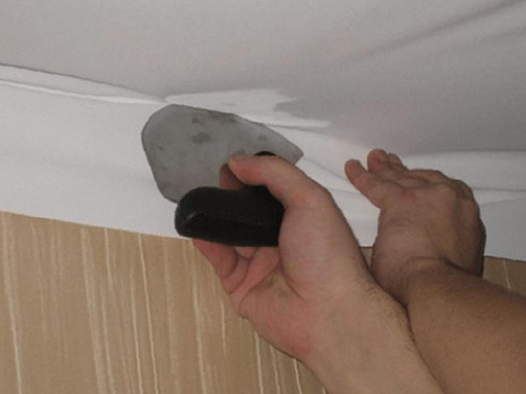 Монтаж безгарпунного натяжного потолка