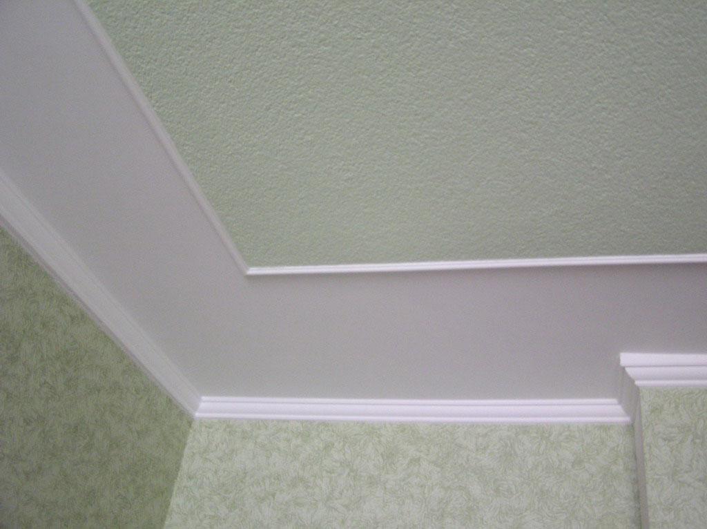 Обои под покраску на потолок