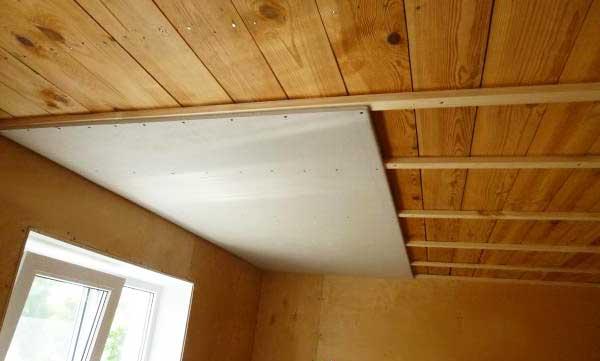 Отделка деревянного потолка гипсокартоном