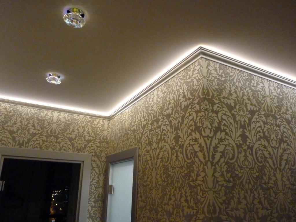 Парящие натяжные потолки подсветка в багете