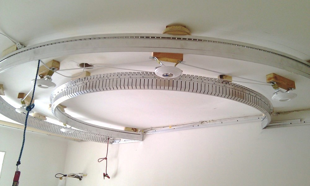 Подготовка перед установкой комбинированного потолка из гипсокартона и натяжного полотна