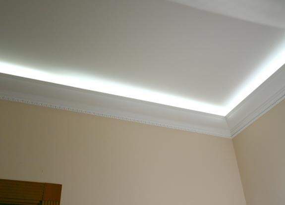 Полиуретановый плинтус с подсветкой