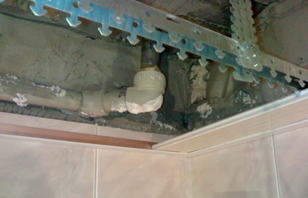 Принцип установки алюминиевого реечного потолка