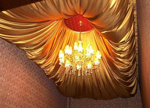 Необычный потолок из ткани - оригинальное решение в интерьере