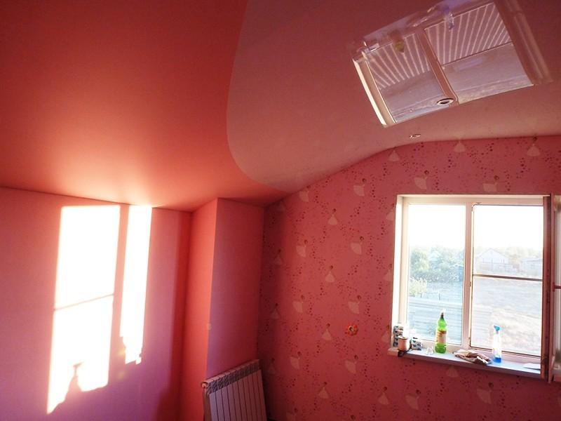 Мансардный потолок неправильной геометрической формы