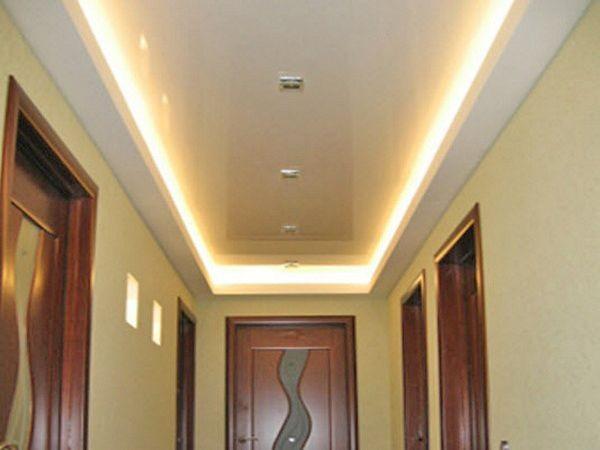 Освещение натяжных потолков светодиодной лентой по горизонтали