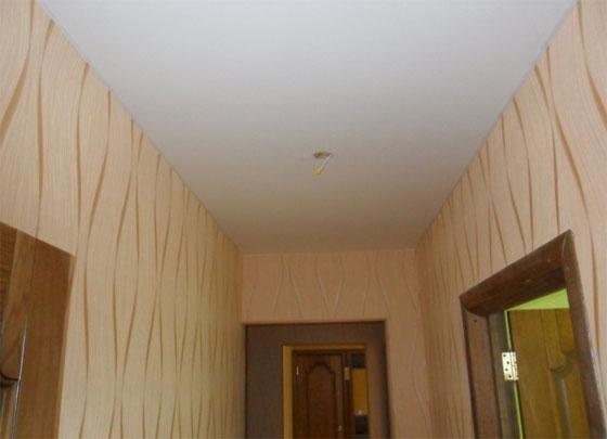 Побелка потолка в коридоре