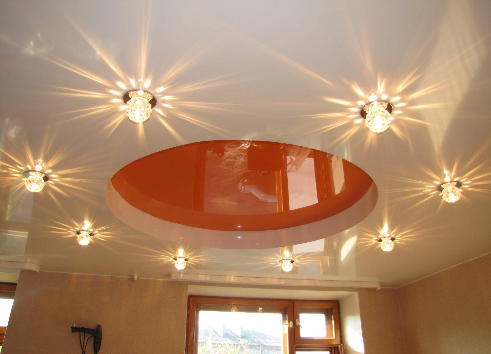 Правила размещения освещения на натяжном потолке