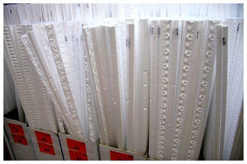 Расчет количества и выбор потолочного плинтуса