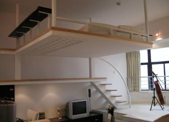 подвесная кровать под потолком