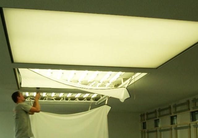 светящийся потолок натяжной