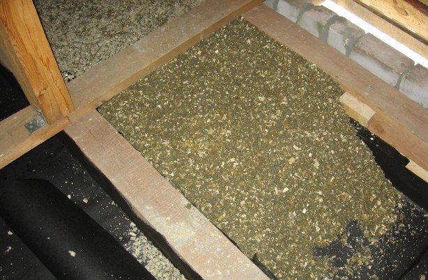 Подготовка поверхности перед утеплением потолка опилками