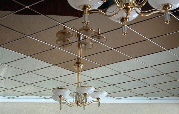 Кассетные потолки с зеркальными поверхностями