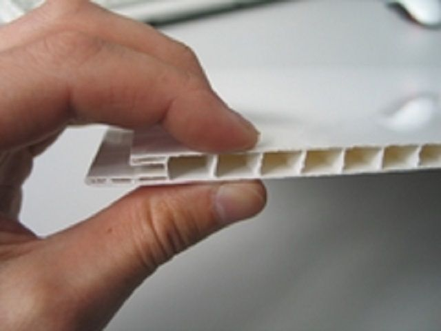 Критерии выбора пластиковых потолочных панелей