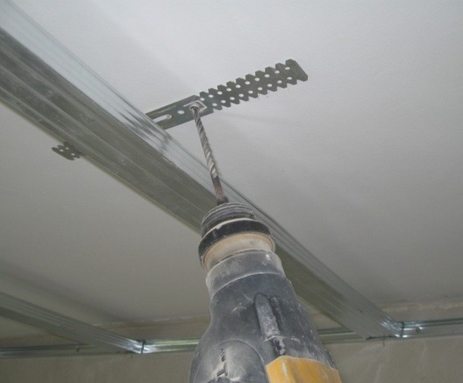 Монтаж потолочных подвесов