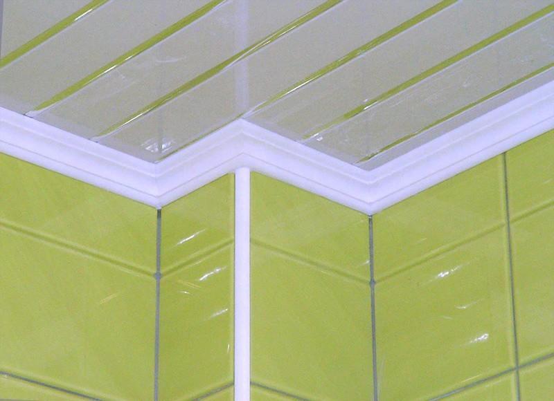 потолочный плинтус для панелей пвх