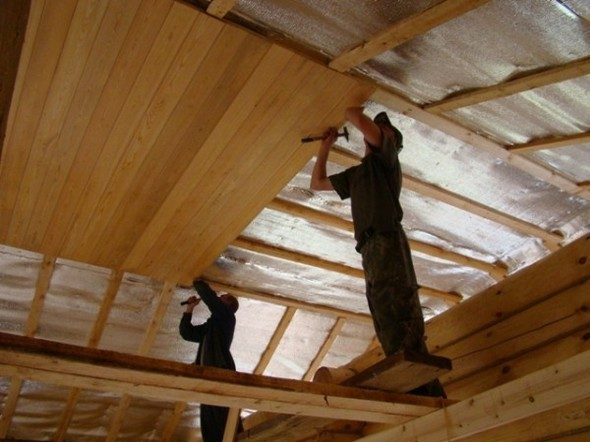 потолок на даче