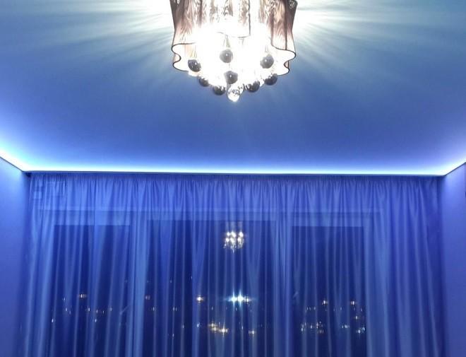 Как прикрепить карниз для подсветки натяжного потолка