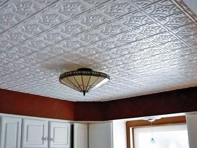Варианты декора потолка из пенопласта